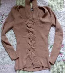 Džemper sa pletenicom