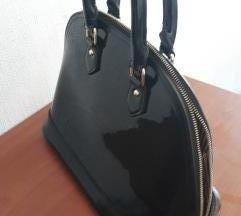 Lakovana crna torba