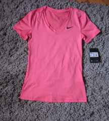 Nike sportska majica NOVA sa etiketom