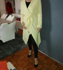 Žuti mantil  tanji/danas 1500