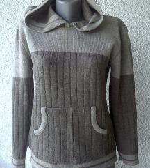 džemper sa kapuljačom broj M