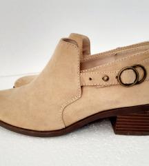 Cipele,kaubojke 37 broj