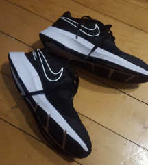 Nike patike br. 38