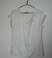 Bela svilena majica