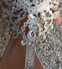 Fensi sandalice sa cirkonima
