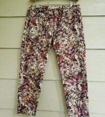 Zara floral pantalonice