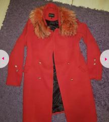 Crveni kaput pravo krzno