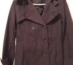 Crni kratki trenc mantilic jakna