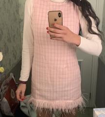 Roza haljina sa perjem