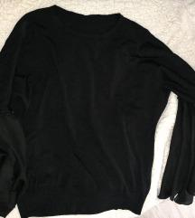 Neobicna crna bluzica