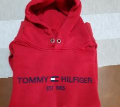 Tommy hilfiger  crveni duks 36/38