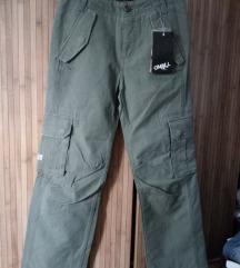 O Neill pantalone nove sa etiketom 152