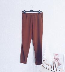 Snizeno - HM pantalone