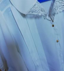 Bela košulja sa pliseom i čipkom