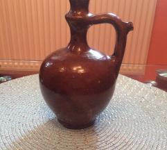 Starinska vaza u boji cigle