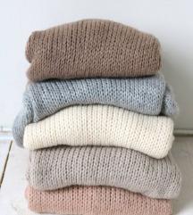 Rasprodaja 3 džempera za 700 dinara