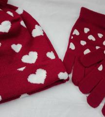 Terranova bordo kapa i rukavice sa srcima