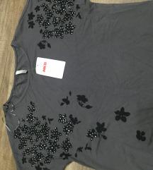 siva majica sa cveticima novo