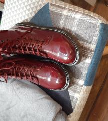 Lakovane bordo cipele br 40