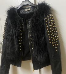 Vegan punk jakna sa nitnama ~ eko koža/krzno🐰🖤