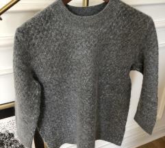 Zara džemper od angore