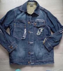 Teksas jakna moderna
