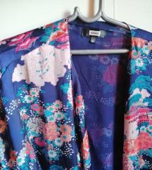 Sareni kimono