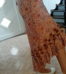 Jesenja suknja nude, Pariz Laura Aime