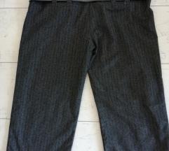 Kratke pantalone sa kaišem