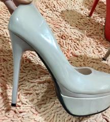 Nove cipele stikle bež boje