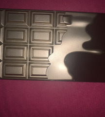 Paleta senki REVOLUTION  chocolate