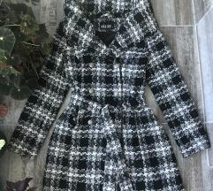 Pepito kaput sa ogromnom kragnom/kapuljacom