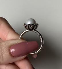 Prsten biser sa cirkonima