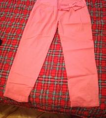 Pantalone letnje 3/4 vel. 42 NOVO