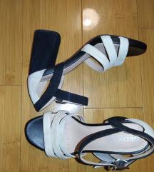 Nove Geox sandale