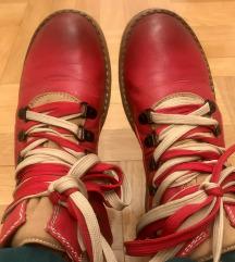 Crvene čizmice