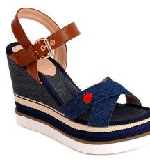 AKCIJA!!! NOVE DOCA sandale! U kutiji! 23cm