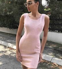 Roze haljinica
