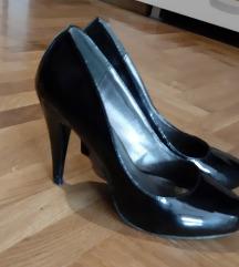 Crne lakovane cipele