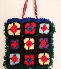 Sarena heklana torbica 20x20cm - rucni rad