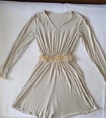 haljinica sa detaljima od perja