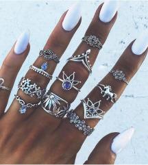 Set od 13 elegantnih prstenova NOVO
