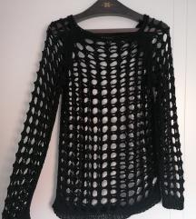 Šupljikav džemper M