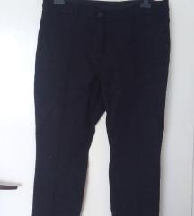Intenzivno crne pantalone, helanke, 46