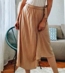 rezervisano Krem plisirana suknja