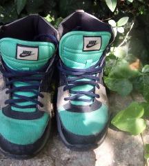 acg VNTG Nike 38 i 39 SNIZENO!