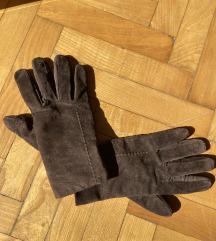 Od prevrnute kože rukavice
