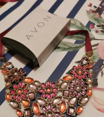 Avon razigrana ogrlica