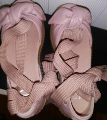 Nove Puma Fenty sandale vel 37