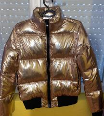 Nova jakna nenosena